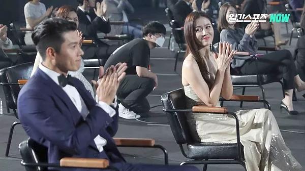 Hyun Bin and Son Ye-jin 4.jpg