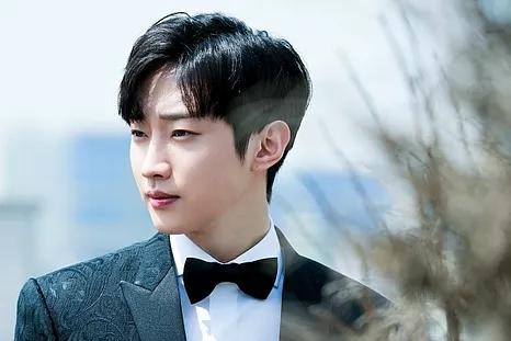 Jung Jin Young.jpg